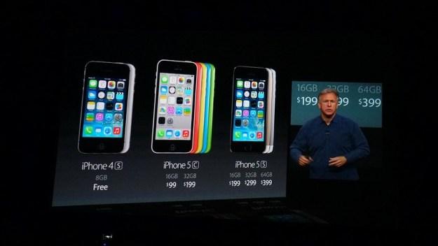 Los nuevos iPhone el día de su presentación, pero ojo con esos precios. Son en EEUU, sin impuestos y con contrato de permanencia de 2 años.