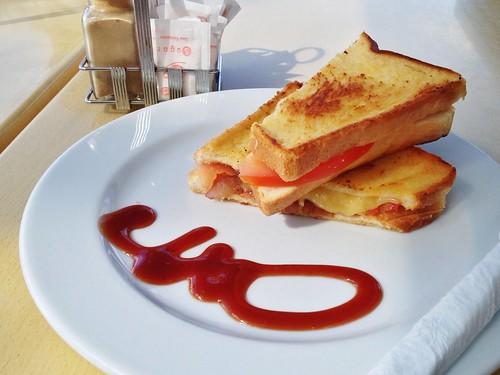Fancy cheese/tomato/onion toastie