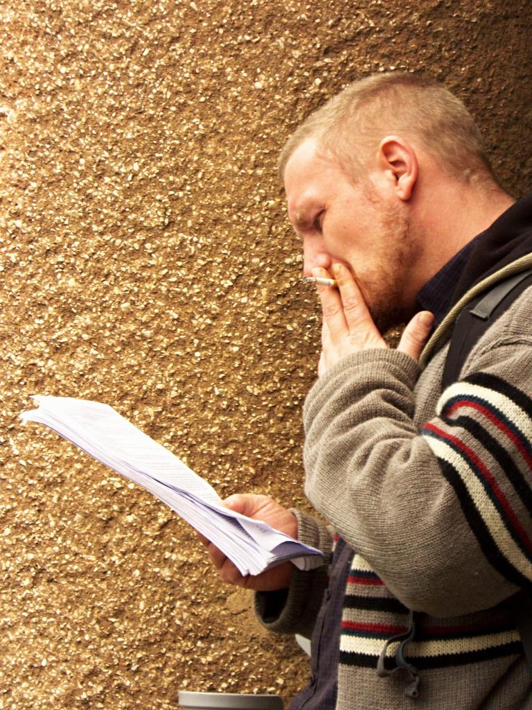 Smoking Reader
