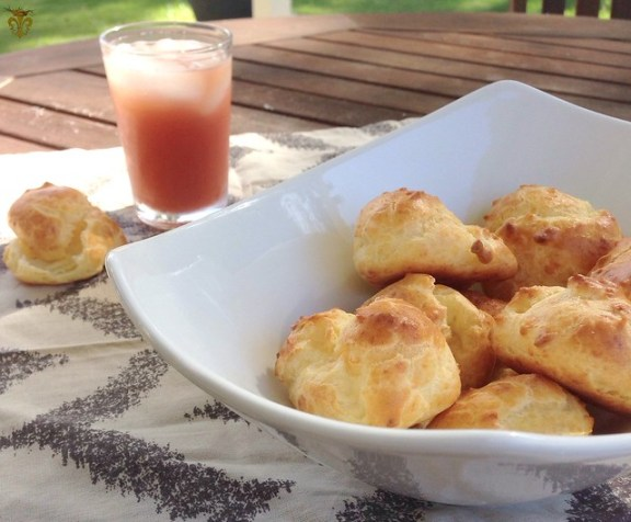 Gougeres queso