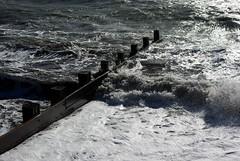 20131029-35_Waves + Groynes - Milford on Sea