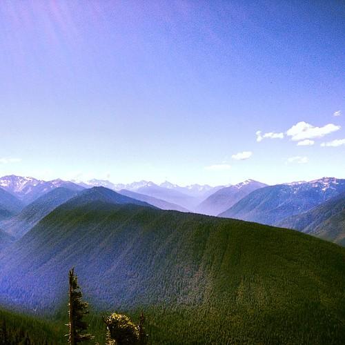 Olympic Mountain Range by @MySoDotCom