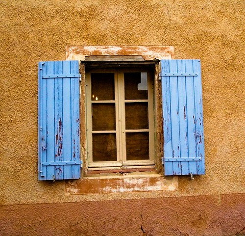 Provence Rousillon blue window