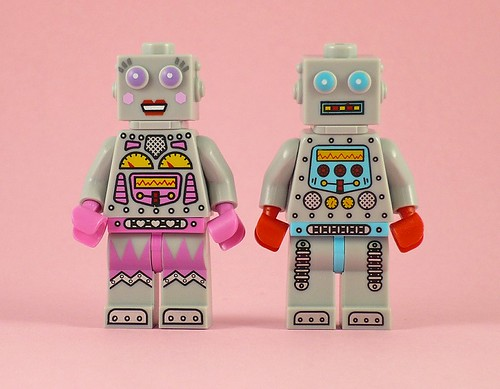 71002 LEGO Minifigures Series 11 16 Lady Robot 01