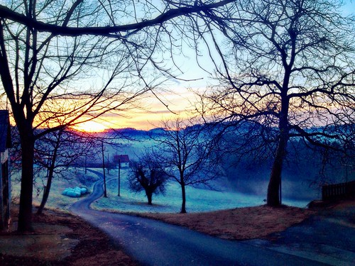 Sunrise chasing the fog by SpatzMe