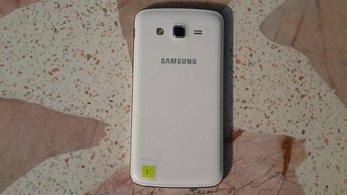 ด้านหลังของ Samsung Galaxy Grand 2