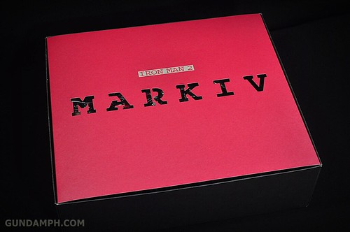 Hot Toys Iron Man 2 - Suit-Up Gantry with Mk IV Review MMS160 Unboxing - day1 (12)