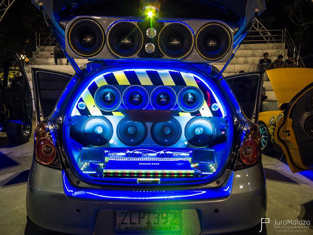 Toyota Yaris. - Dagupan City Fiesta Auto Show 2013 - Juro Malazo