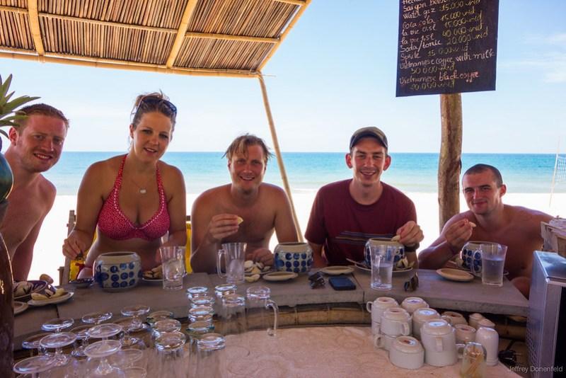 2013-06-09 Hue Beach Bar - DSC05125-FullWM