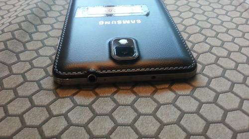 Samsung Galaxy Note 3 ด้านบน