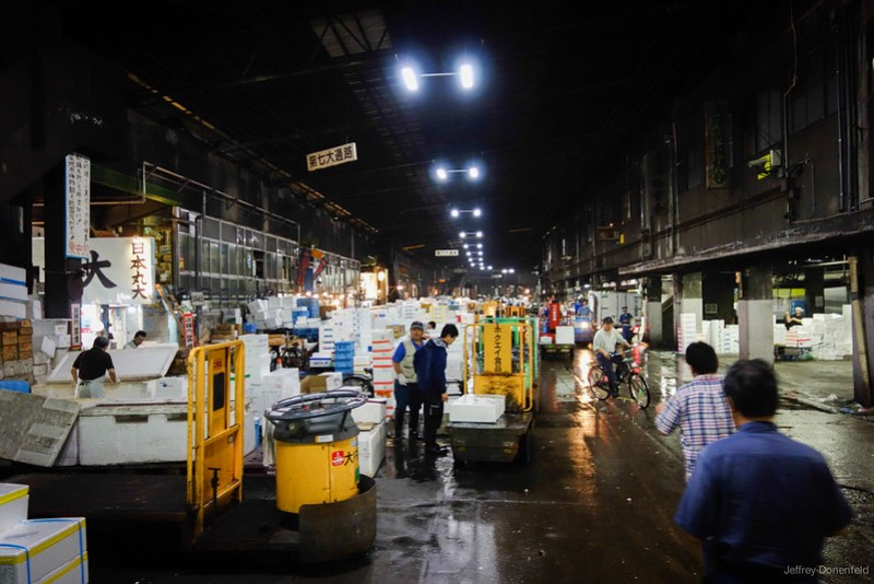 2013-06-24 Tsujiki Fish Market - DSC06288-FullWM