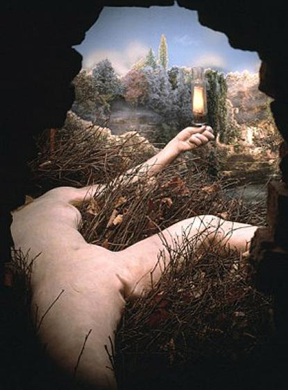 14h10 Éttant donnés de Marcel Duchamp