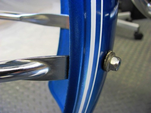 Front Fender Lower Mounting Assembly