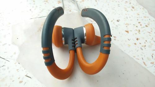 Quikclik Magnet technology เก็บหูฟังให้เป็นที่เป็นทางไม่ยากเลย