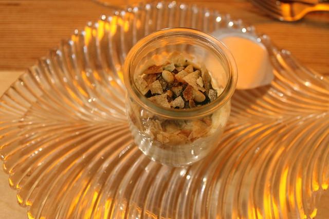 Yogur de cremoso de parmesano con albahaca y mentas, en 'Vuelve Carolina'