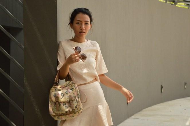 matching coordinates clothing fashion, kimono sleeves, floral bag