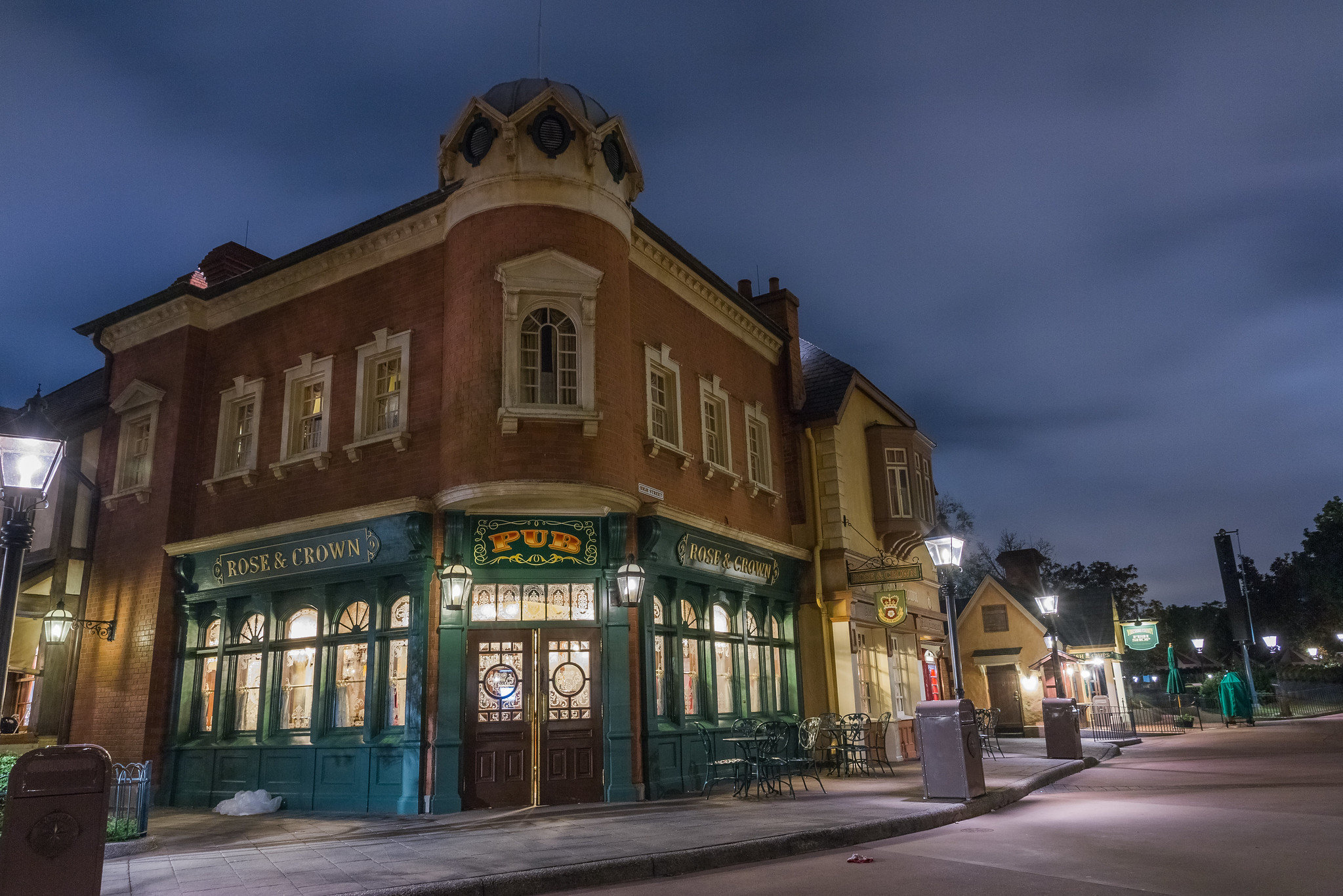 Epcot - Rose and Crown @ Night