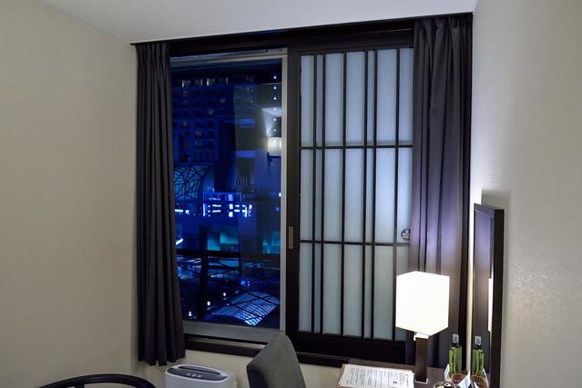 【京都塔飯店】窗戶打開剛好可以看到對面的京都車站