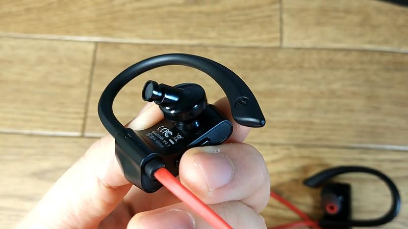 NC-300 ONDTECH Bluetoothイヤホン.Still020