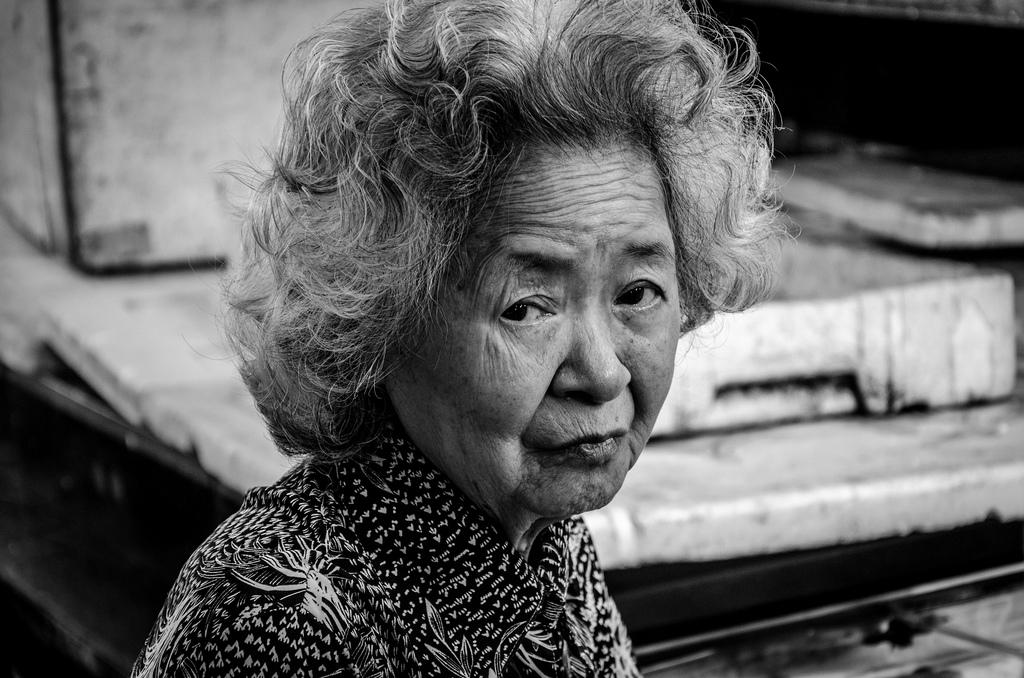 Imagen gratis de una anciana japonesa