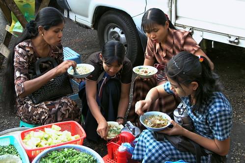 Myanmar - Yangon - Street Life - 10