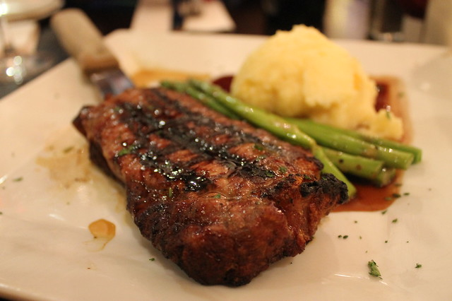 Comer en Boston: Grilled steak, en 'Vineyard Grille', Boston