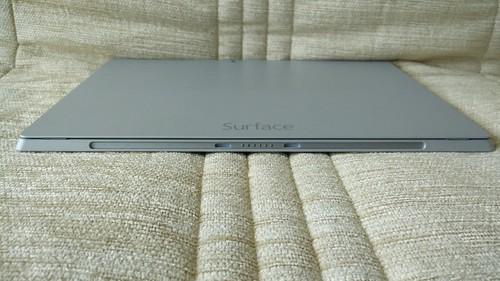 Microsoft Surface Pro 3 ด้านล่าง