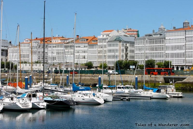 A CORUÑA - Galerías da Coruña / Real Club Náutico de A Coruña