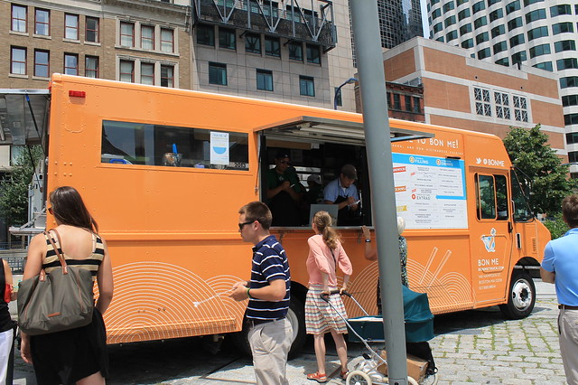 Comer en Boston: Food truck en Federal Reserve Plaza Park, Boston