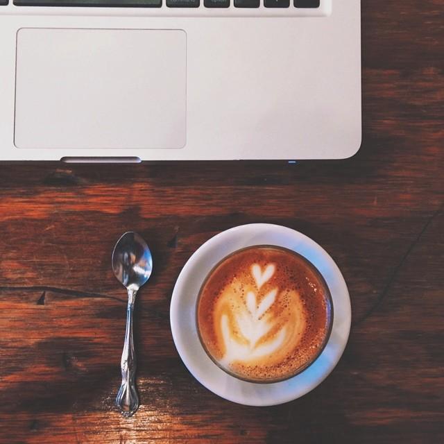 Work day. Wonderful weather.  Great coffee. {#vscocam #vsco #dailycortado #cortado #metropolis #workday #jj_chicagoland #coffeebreak #coffee}
