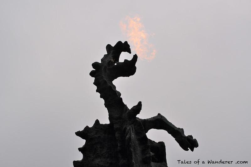 KRAKÓW - Bulwar Czerwieński - Zamek Królewski na Wawelu - Smok Wawelski