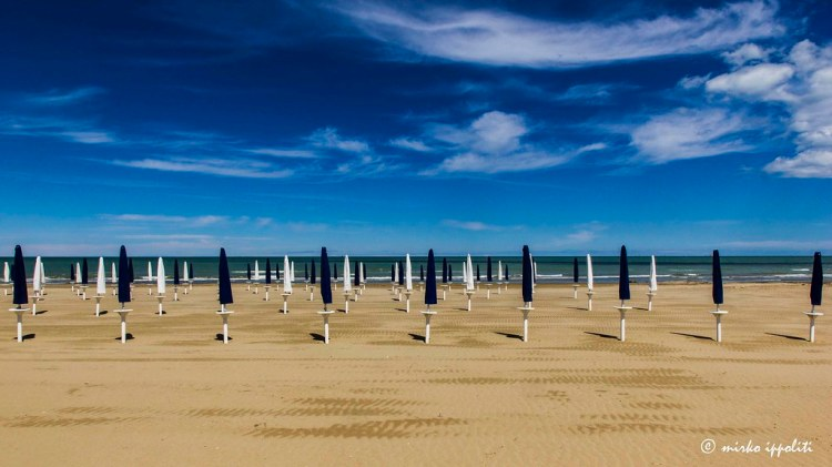 The beach in Giulianova © Mirco Ippoliti on <a href=https://www.flickr.com/photos/26408394@N06 data-recalc-dims=