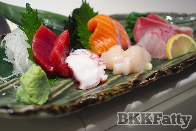 mixed sushi plate hou yuu asoke bangkok