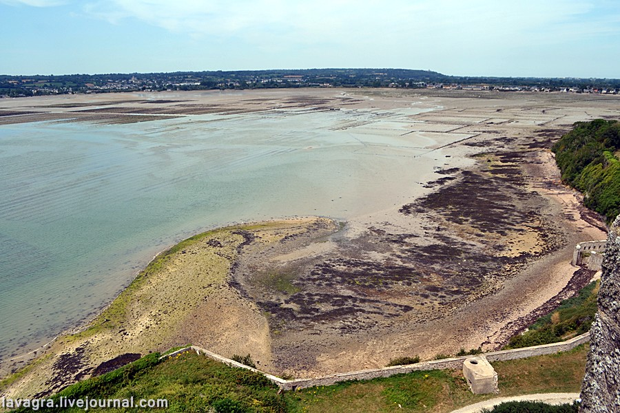 Cautarea femeii in Normandia)