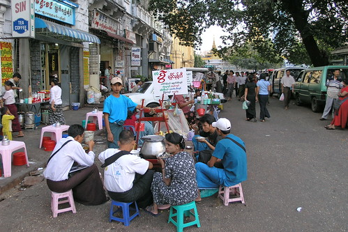 Myanmar - Yangon - Street Life - 20