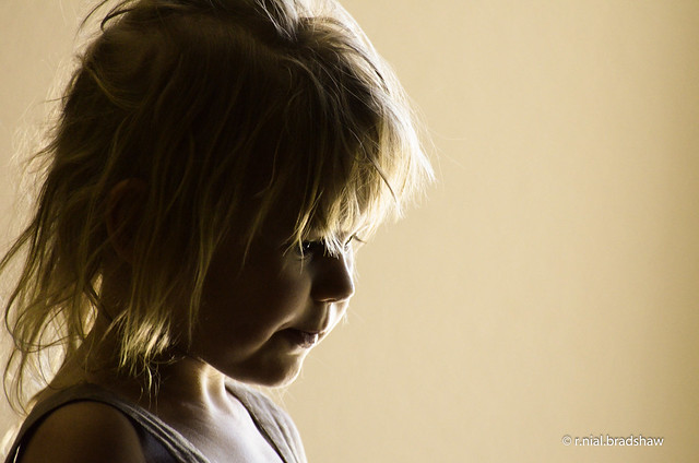 portrait-child-window-light.jpg