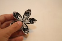 DIY Paper Flowers Gluing