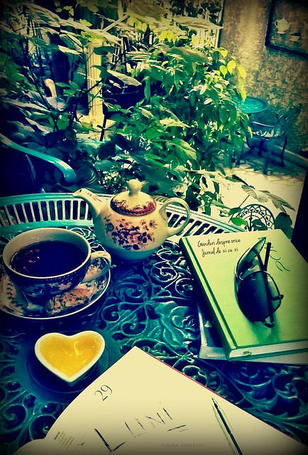 Luni, ceai si ganduri