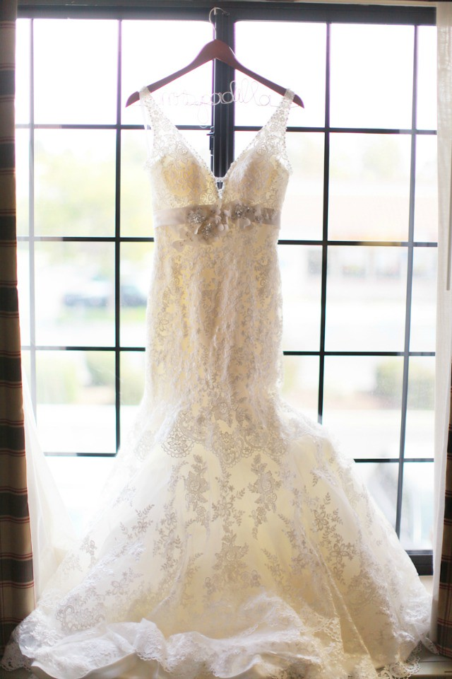 Hanna wedding dress