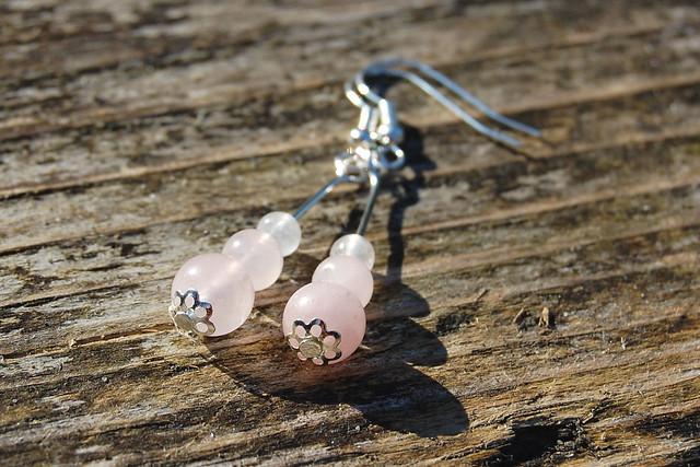 Studio Paars - handmade gemstone earrings Rose Quartz/ handgemaakte edelsteen oorbellen Rozenkwarts