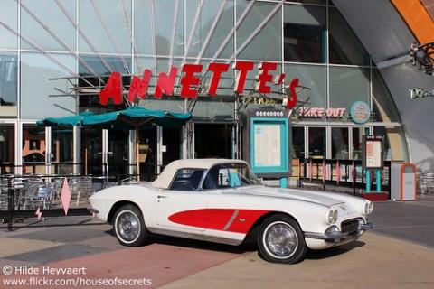 dieselpunk car outside Annette's Diner