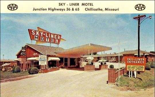 Sky-Liner Motel - Chillicothe, Missouri U.S.A. - 1950s