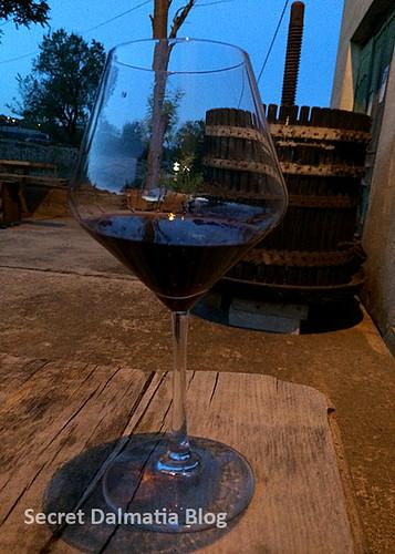 A glass of plavac