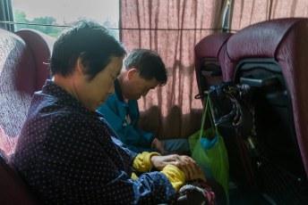Onze Chinese medetoeristen grepen elke seconde aan om een dutje te doen.