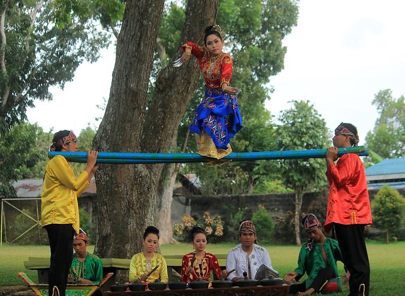 Pangalay Dance by Ingat Kapandayan Dance Troupe