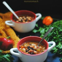 three bean chili -vegan