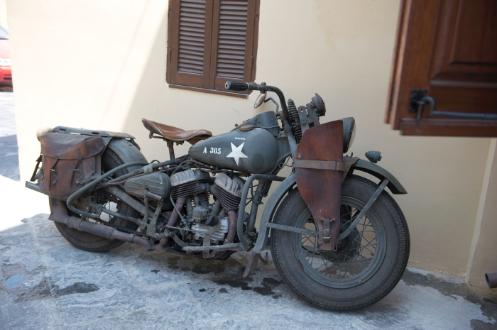 Rhodos_Old_Town_06_motocycle