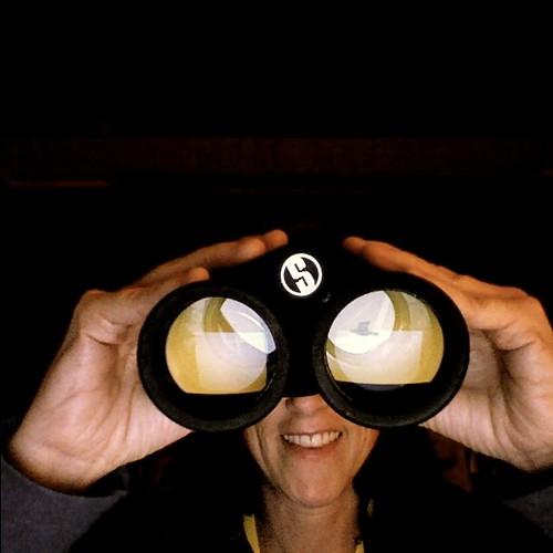 binoculars_2