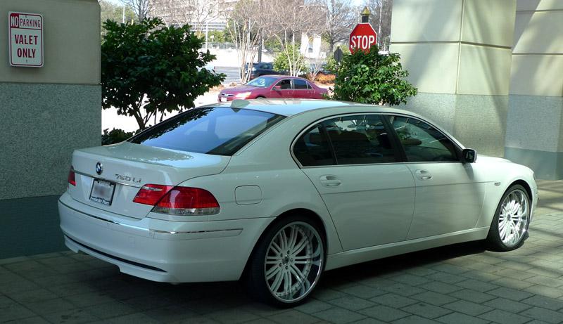 BMW 750 Rimmed