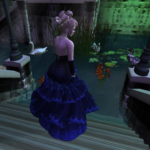 Flora - Blue Dahlia III